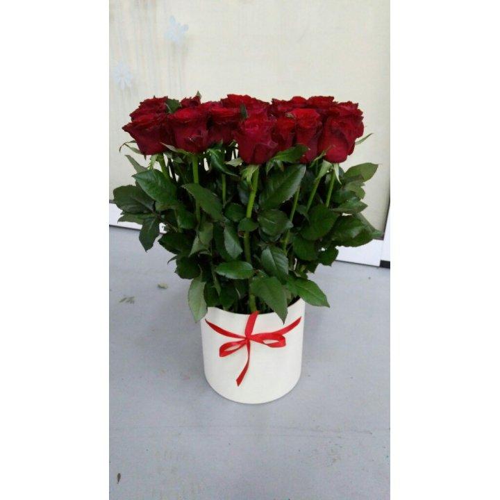 Букет 45 роз в шляпной коробке