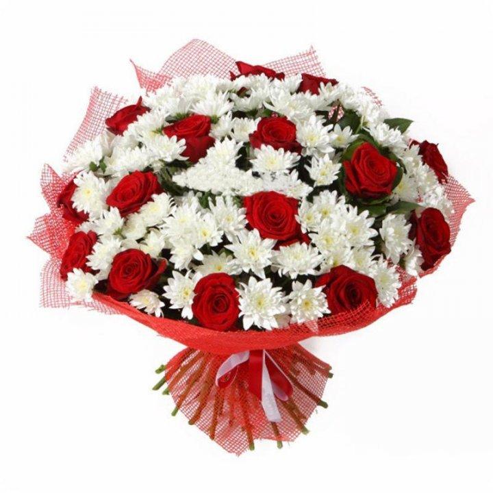 Букет розы с хризантемами