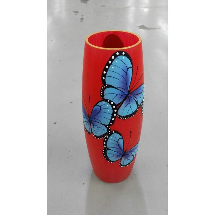 Ваза красная с бабочками